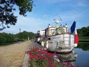 halte-fluviale-de-montreux-chateau